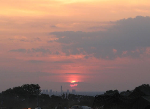 The sunset over the redundant Didcot Power Station at Woodcote